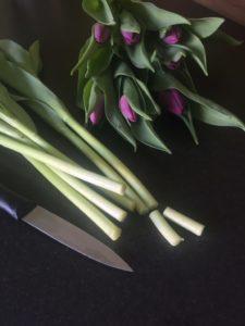 So bleiben Blumensträuße länger frisch: Tipps zum Anschneiden von Blumen