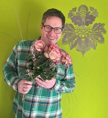Die besten Angebote für Blumensträuße und dekorative Gestecke der bekanntesten Blumenversender findest du jetzt unter dieser Adresse: mobiflora.de.